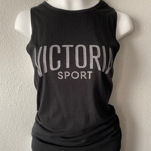 Victoria sport black muscle tee
